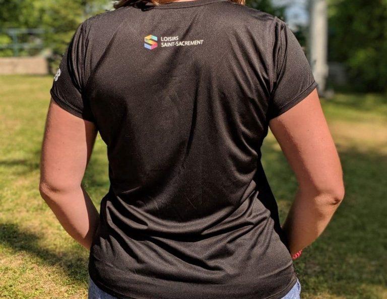 t-shirt-new-balance-femme-dos
